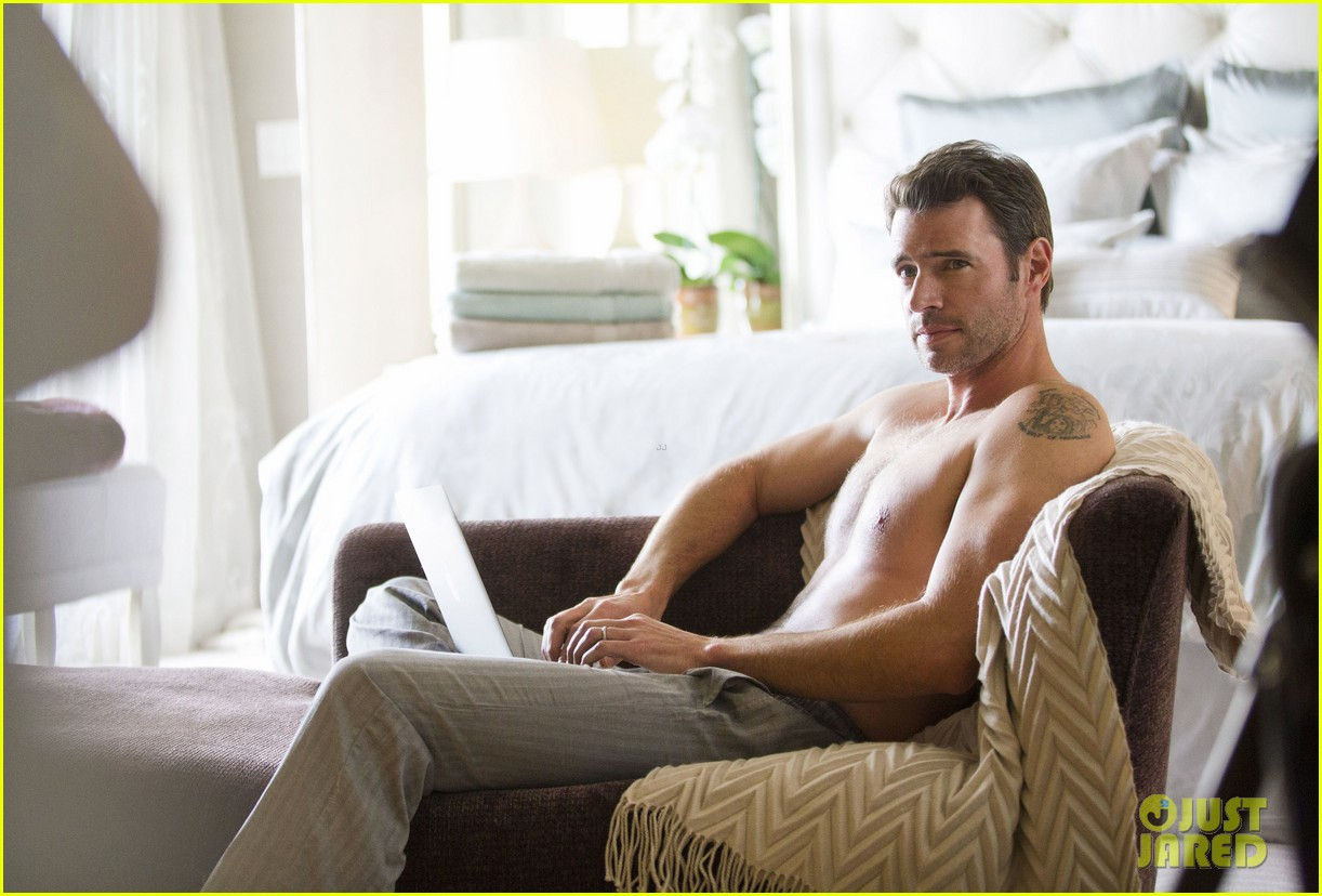 scott foley is super hunky goes shirtless in a towel for charisma 07
