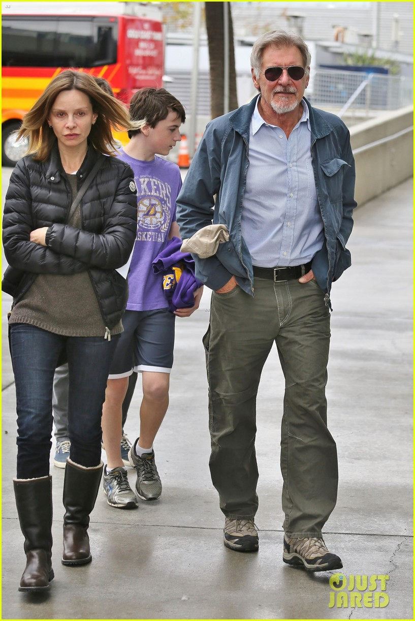 harrison ford calista flockhart lakers game with son liam 013050697
