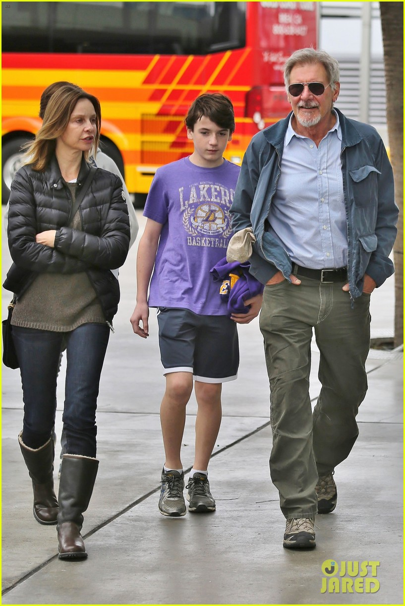 harrison ford calista flockhart lakers game with son liam 063050702