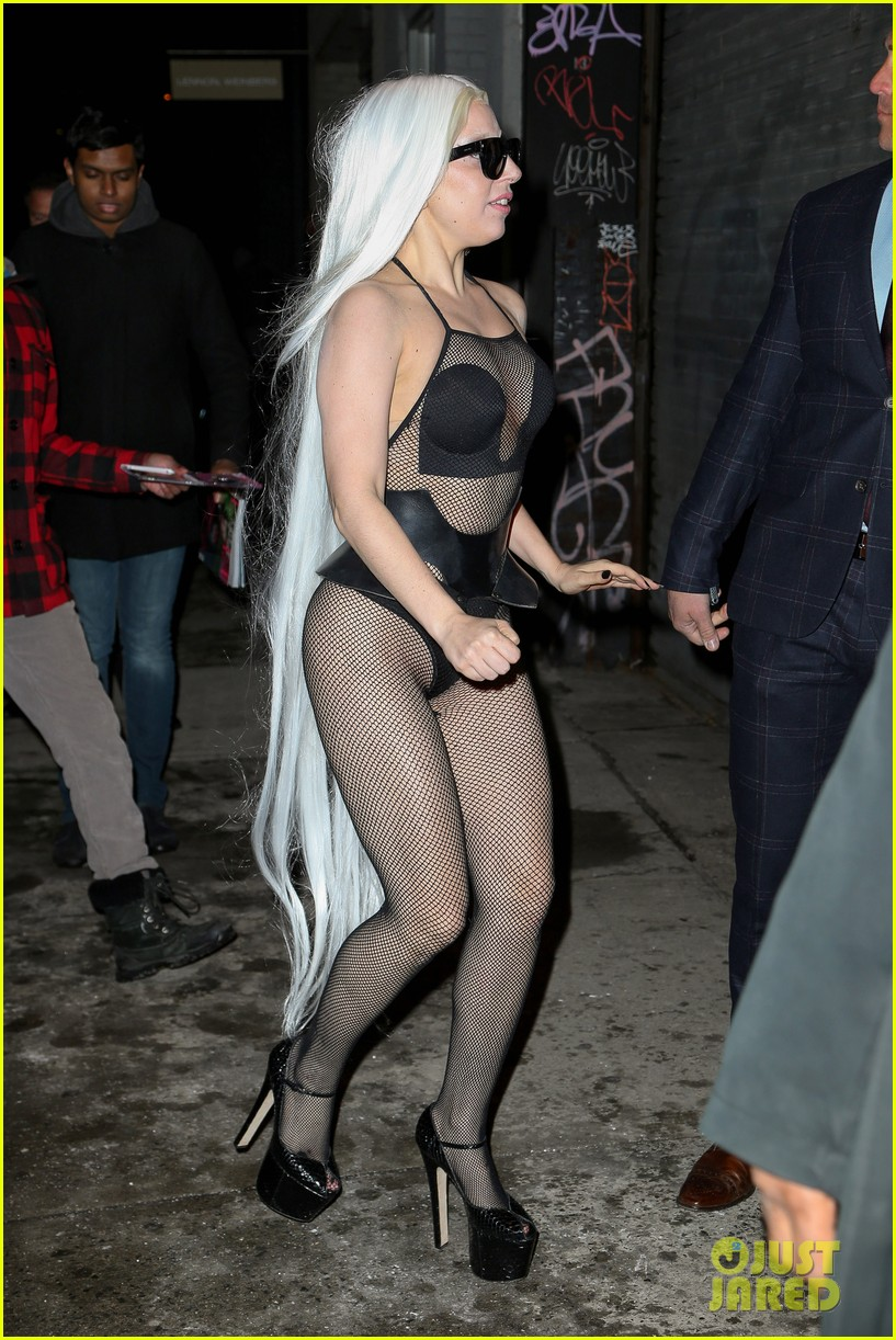 lady gaga wears almost nothing in freezing new york weather 143055345
