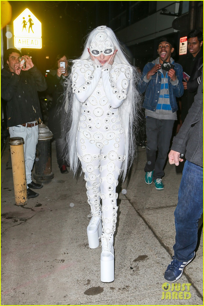 lady gaga is a bride see her throwing a bouquet of flowers 263057646