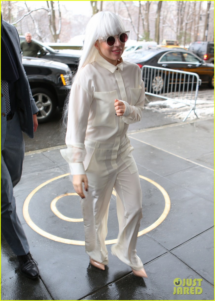 lady gaga so excited to perform on tonight show this evening 013055715