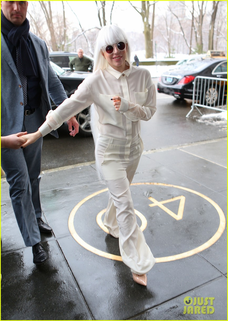 lady gaga so excited to perform on tonight show this evening 053055719
