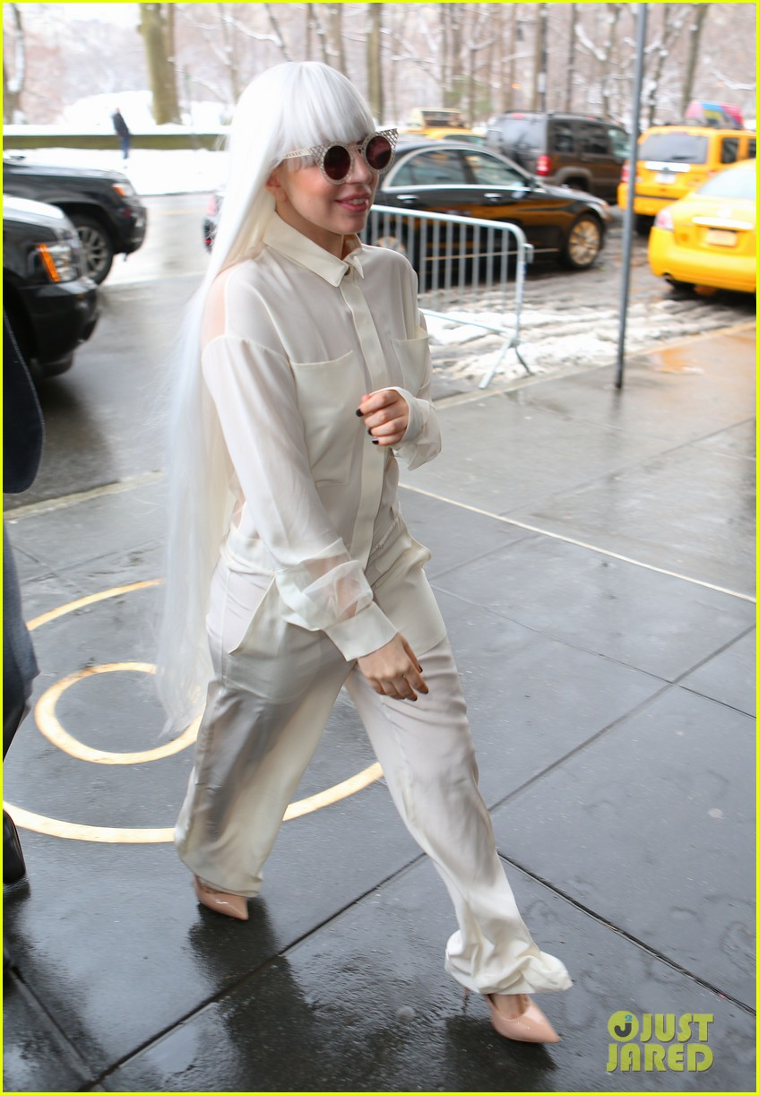 lady gaga so excited to perform on tonight show this evening 073055721