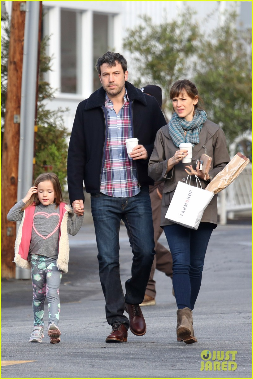 jennifer garner ben affleck will spend the summer in detroit 053048756