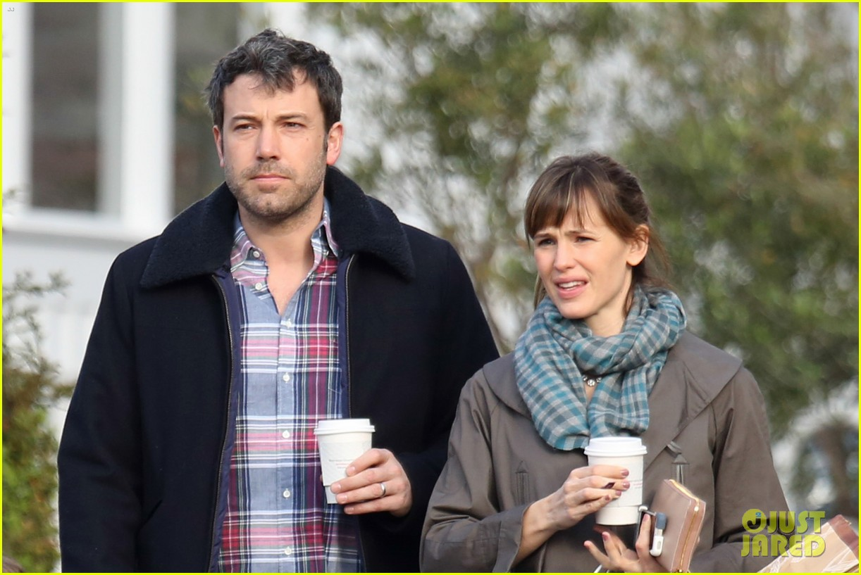jennifer garner ben affleck will spend the summer in detroit 063048757