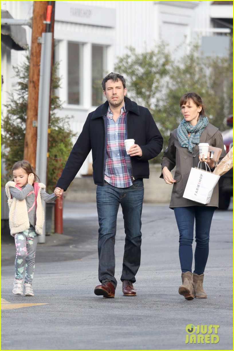 jennifer garner ben affleck will spend the summer in detroit 15