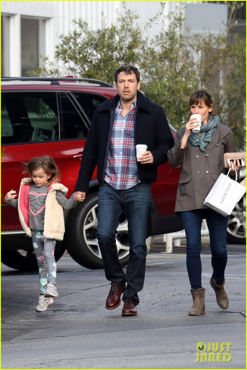 jennifer garner ben affleck will spend the summer in detroit 183048769