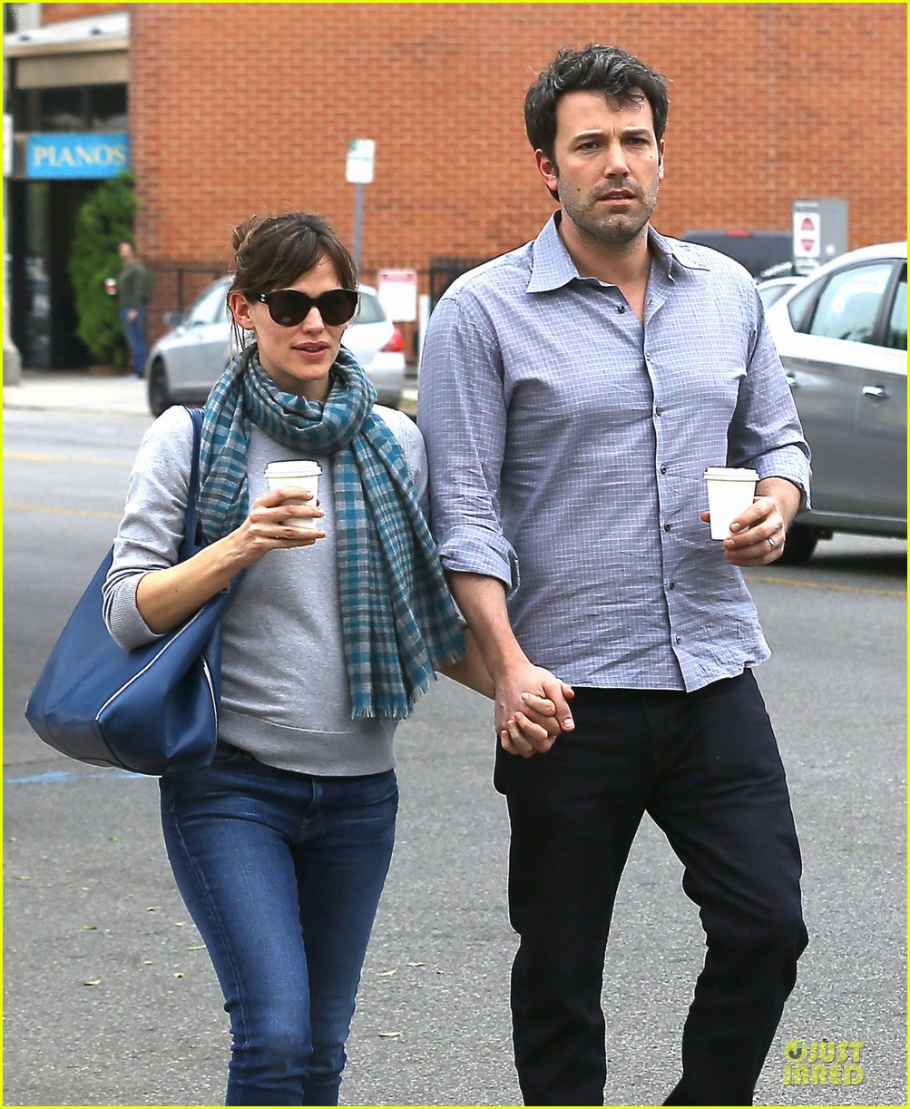 jennifer garner ben affleck hold hands at bricks scones 043055897