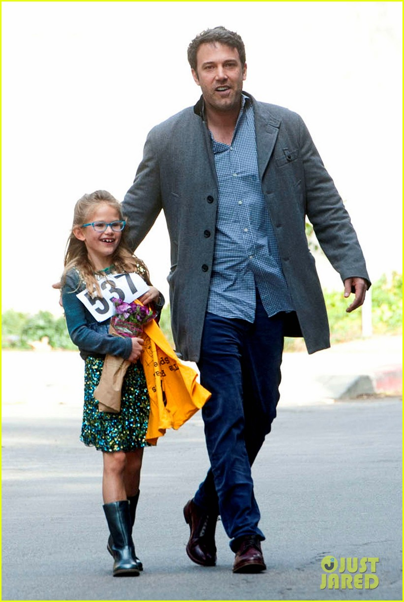 jennifer garner ben affleck put family first spend weekend with their kids 013050395