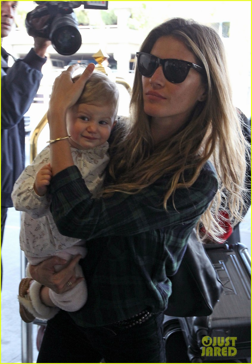 gisele bundchens daughter vivian is so adorable 03