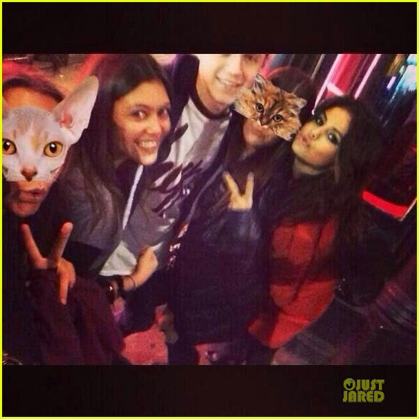 selena gomez niall horan spotted hanging out in london 02