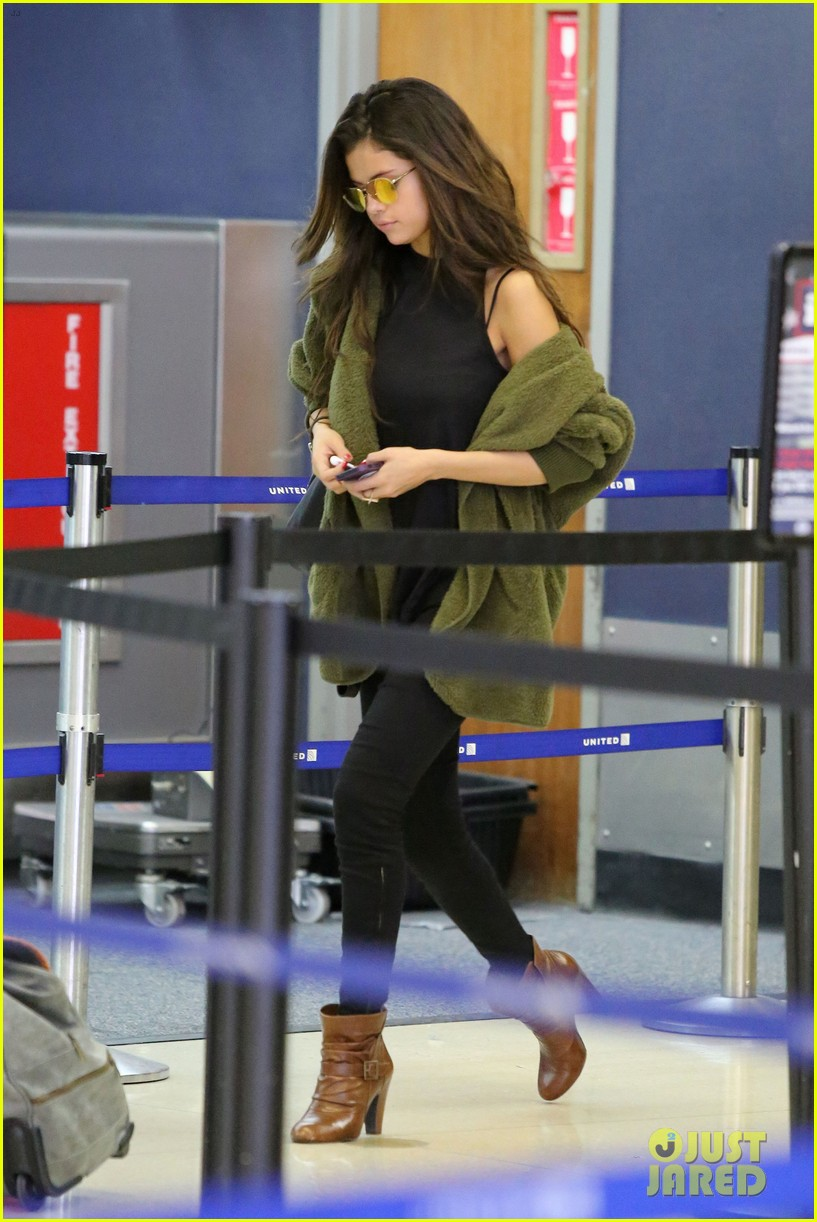 selena gomez is back in los angeles after quick trip away 033061182
