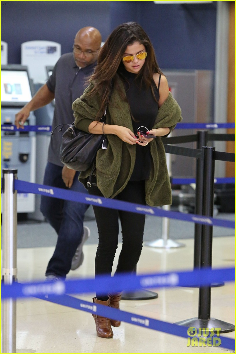 selena gomez is back in los angeles after quick trip away 083061187