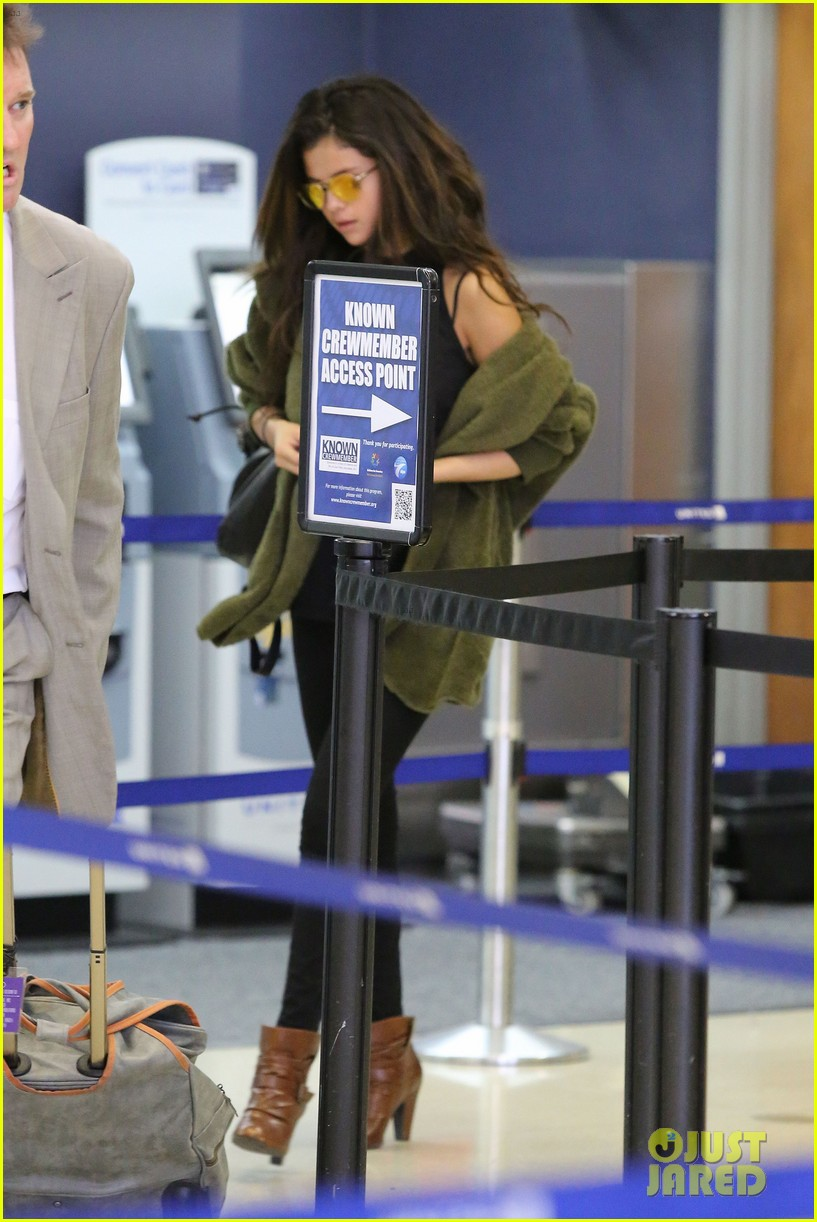 selena gomez is back in los angeles after quick trip away 223061201