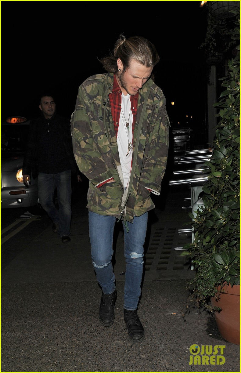ellie goulding rumored boyfriend dougie poynter step out together 063062222