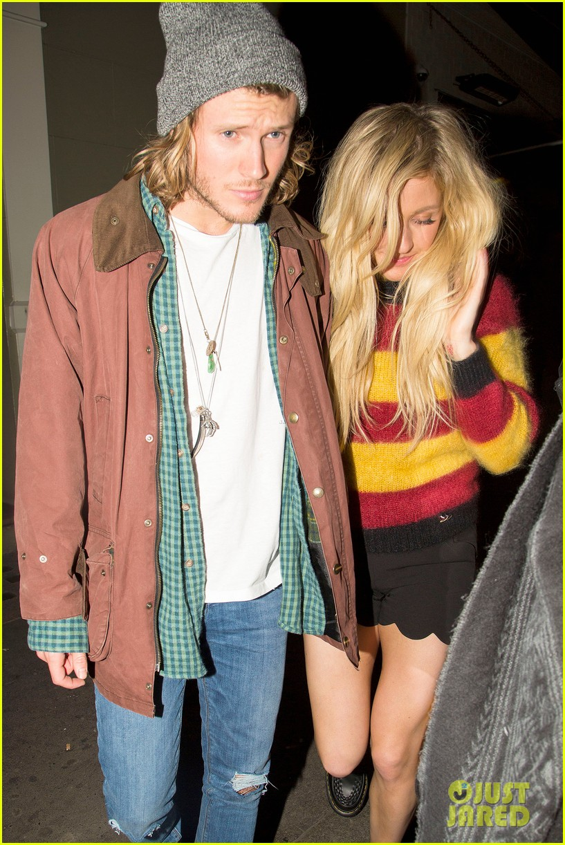 ellie goulding rumored boyfriend dougie poynter step out together 153062231