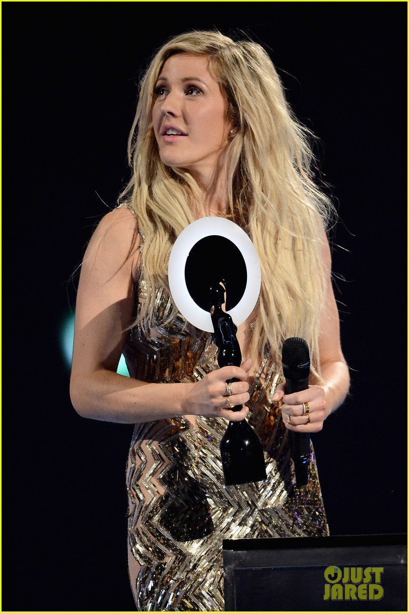 ellie goulding strips down for brit awards performance video 073056516