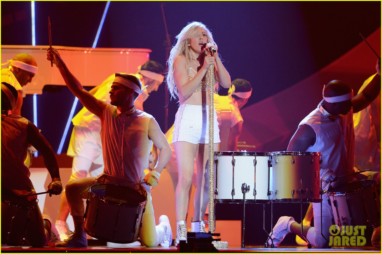 ellie goulding strips down for brit awards performance video 083056517