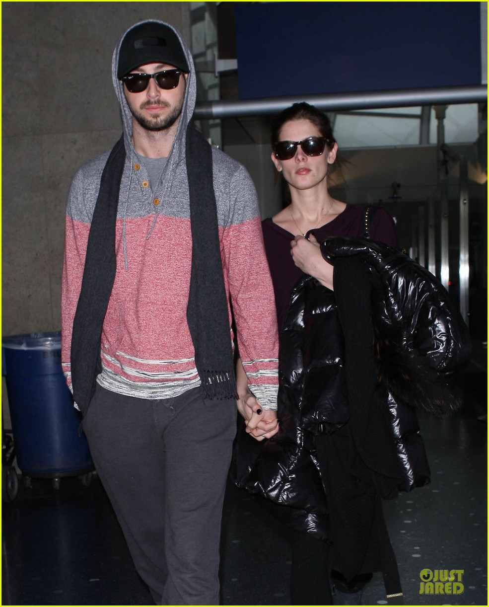 ashley greene paul khoury hold hands after super bowl game 02