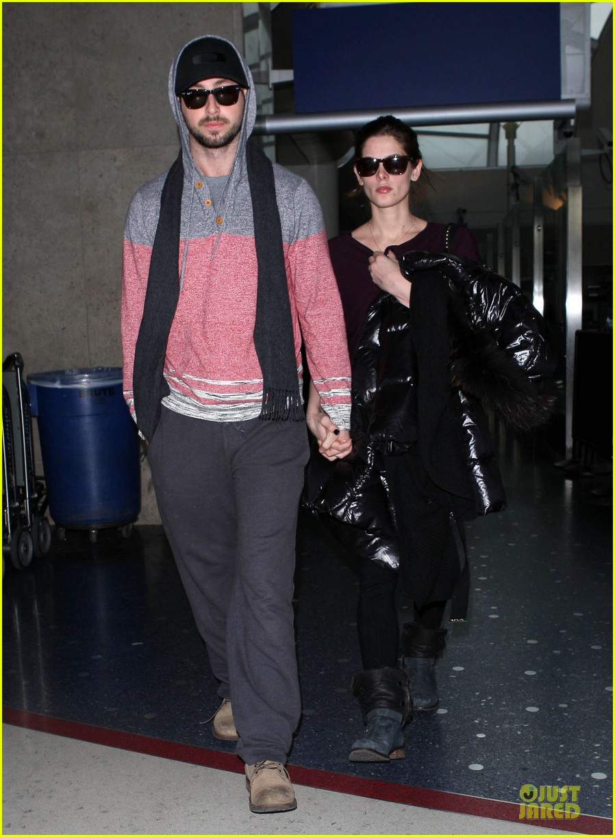 ashley greene paul khoury hold hands after super bowl game 053047572