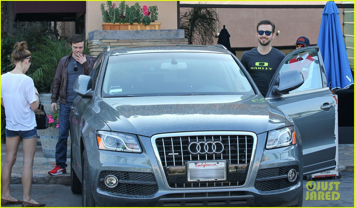 ashley greene paul khoury look so happy while lunching with friends 033055085