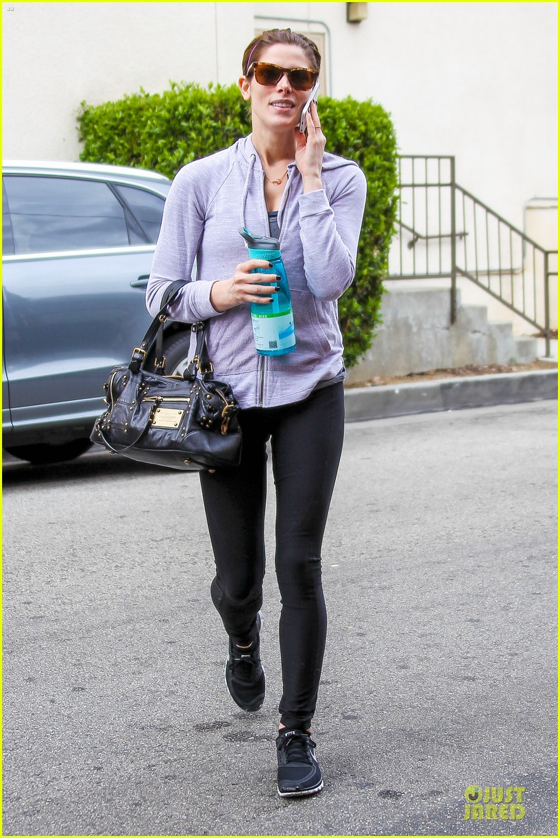 ashley greene buys beverly hills house for 2 4 million 073050026