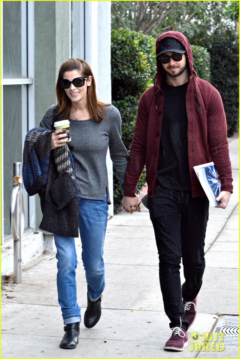 ashley greene paul khoury look in love while shopping 013049125
