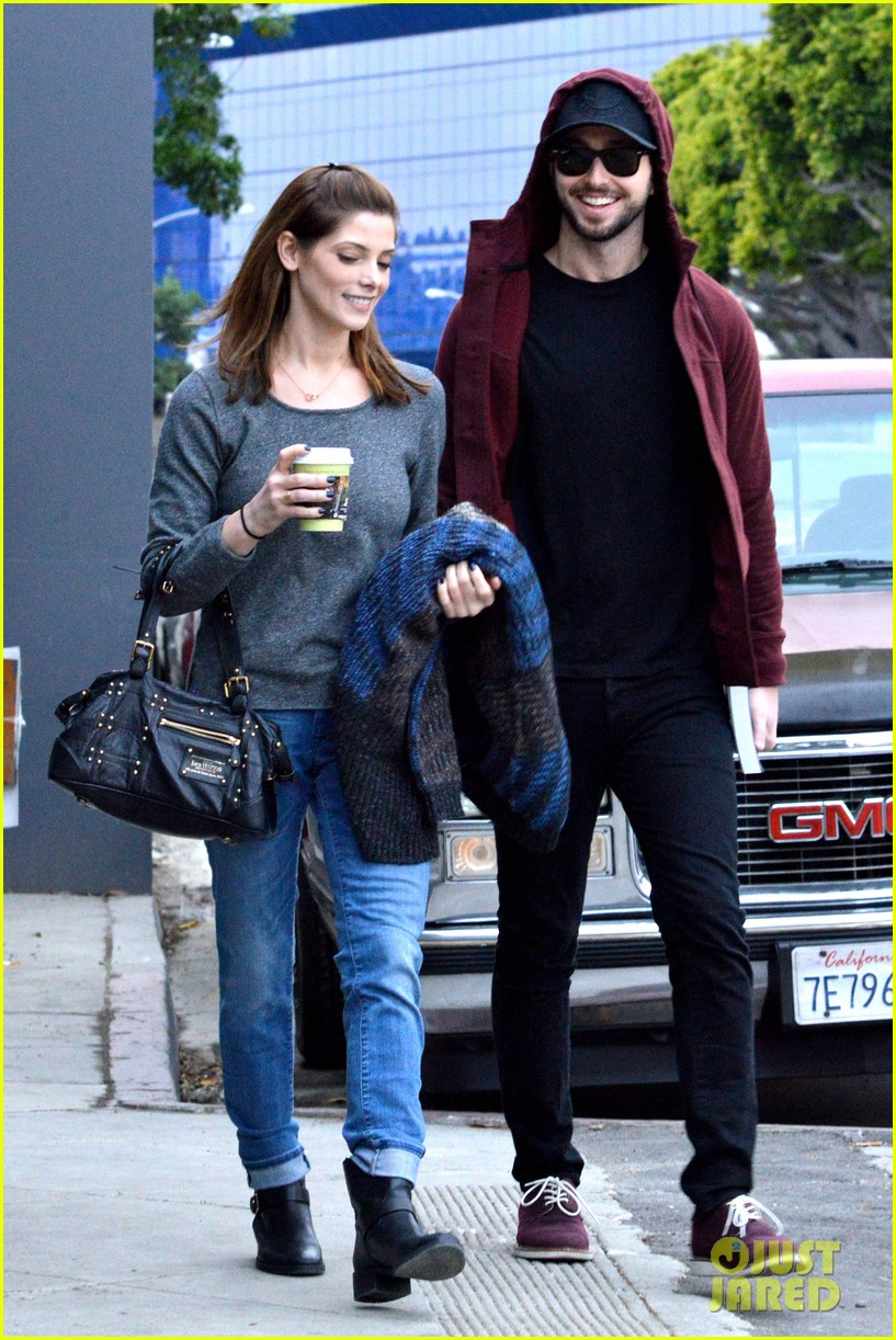 ashley greene paul khoury look in love while shopping 113049135