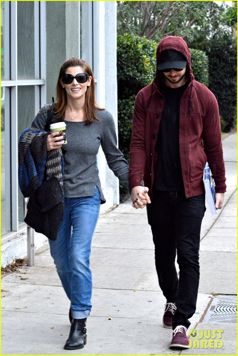 ashley greene paul khoury look in love while shopping 14