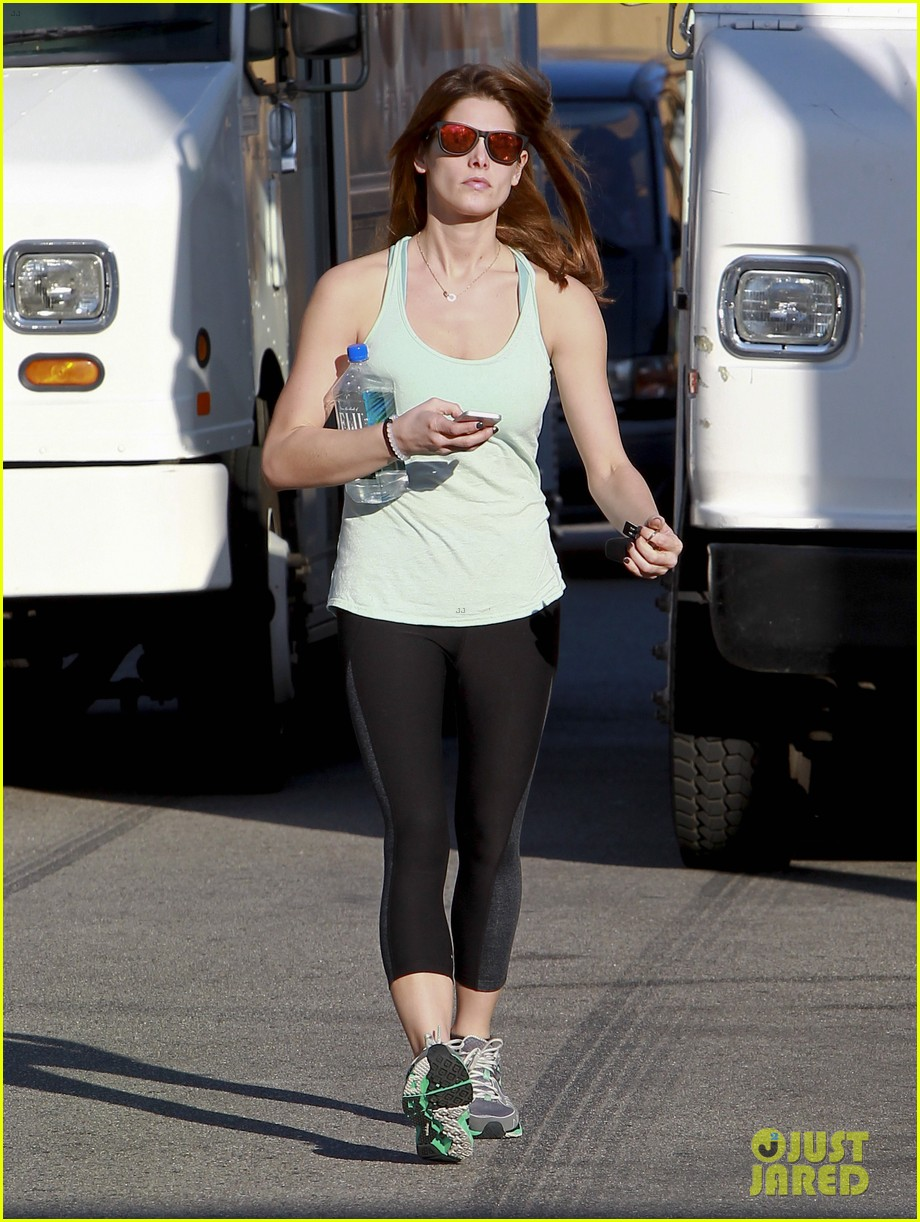 ashley greene new face of oakley eyewears 2014 campaign 05