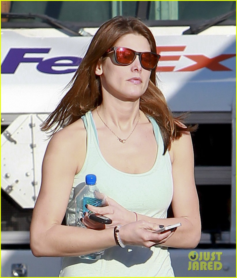 ashley greene new face of oakley eyewears 2014 campaign 113057661