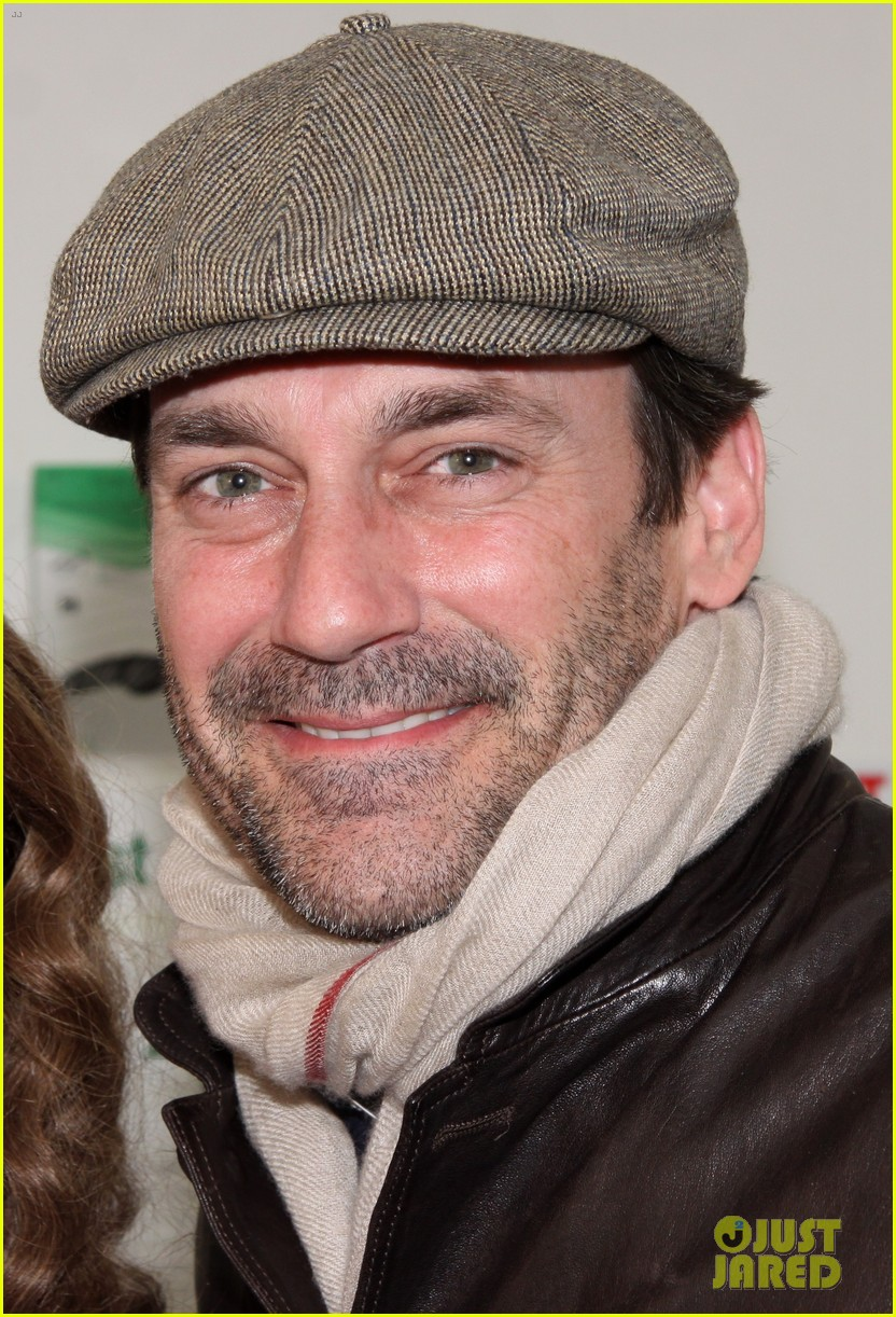 jon hamm checks out beautiful during broadway marathon 033061441