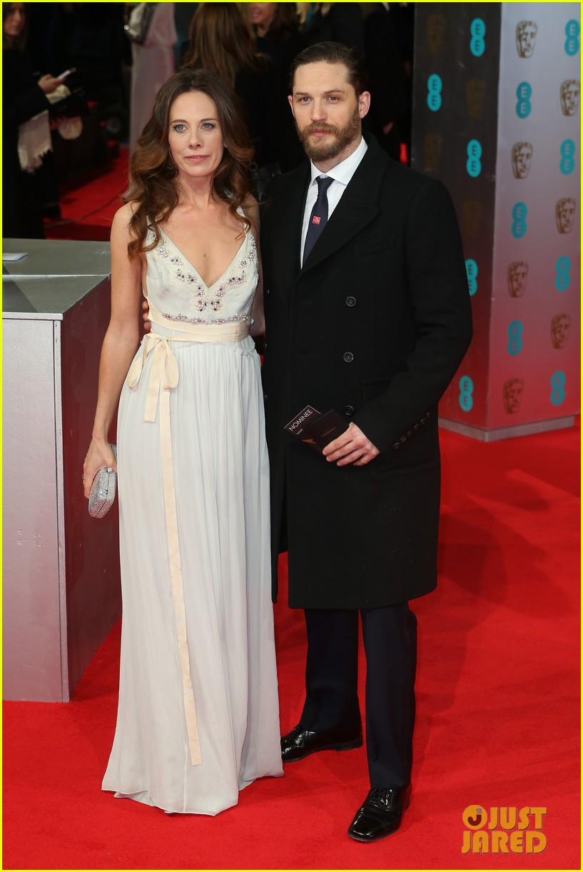 tom hardy baftas 2014 red carpet 033054555