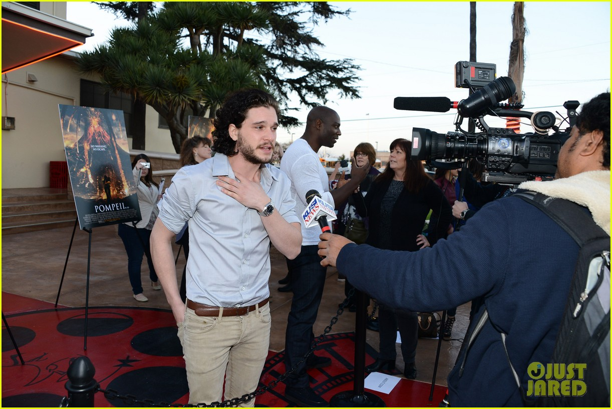 kit harington brings his movie pompeii to miramar naval base 143050757