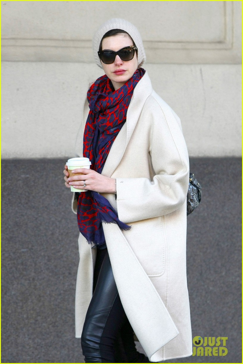 anne hathaway coffee stop after great american songbook gala 033052710