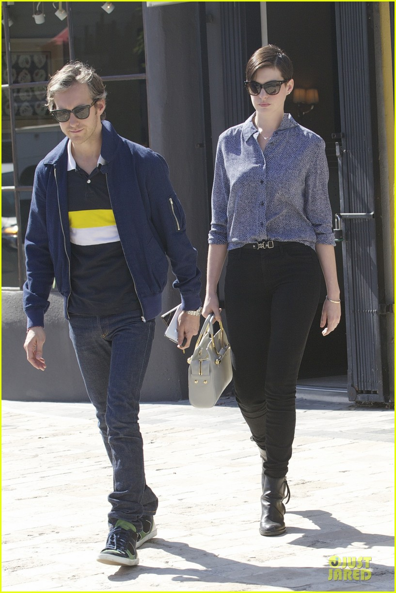 anne hathaway adam shulman west hollywood shopping duo 05
