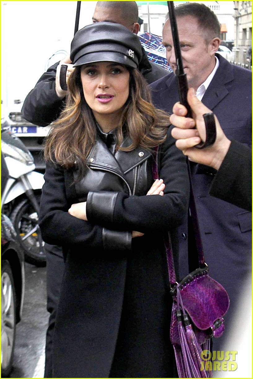 salma hayek gucci fashion show with francois henri pinault 023056643