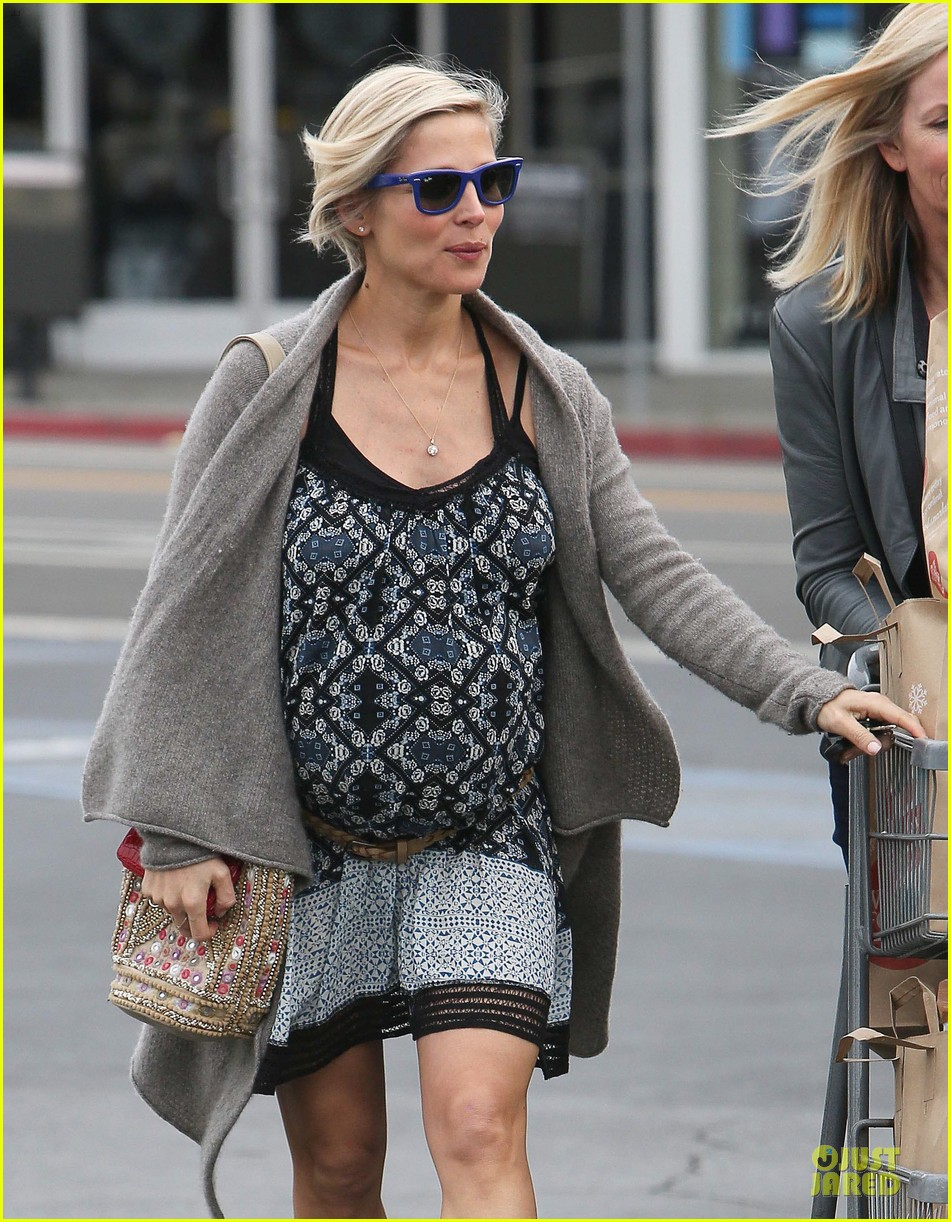chris hemsworth rushes back to elsa pataky after japan trip 093049506
