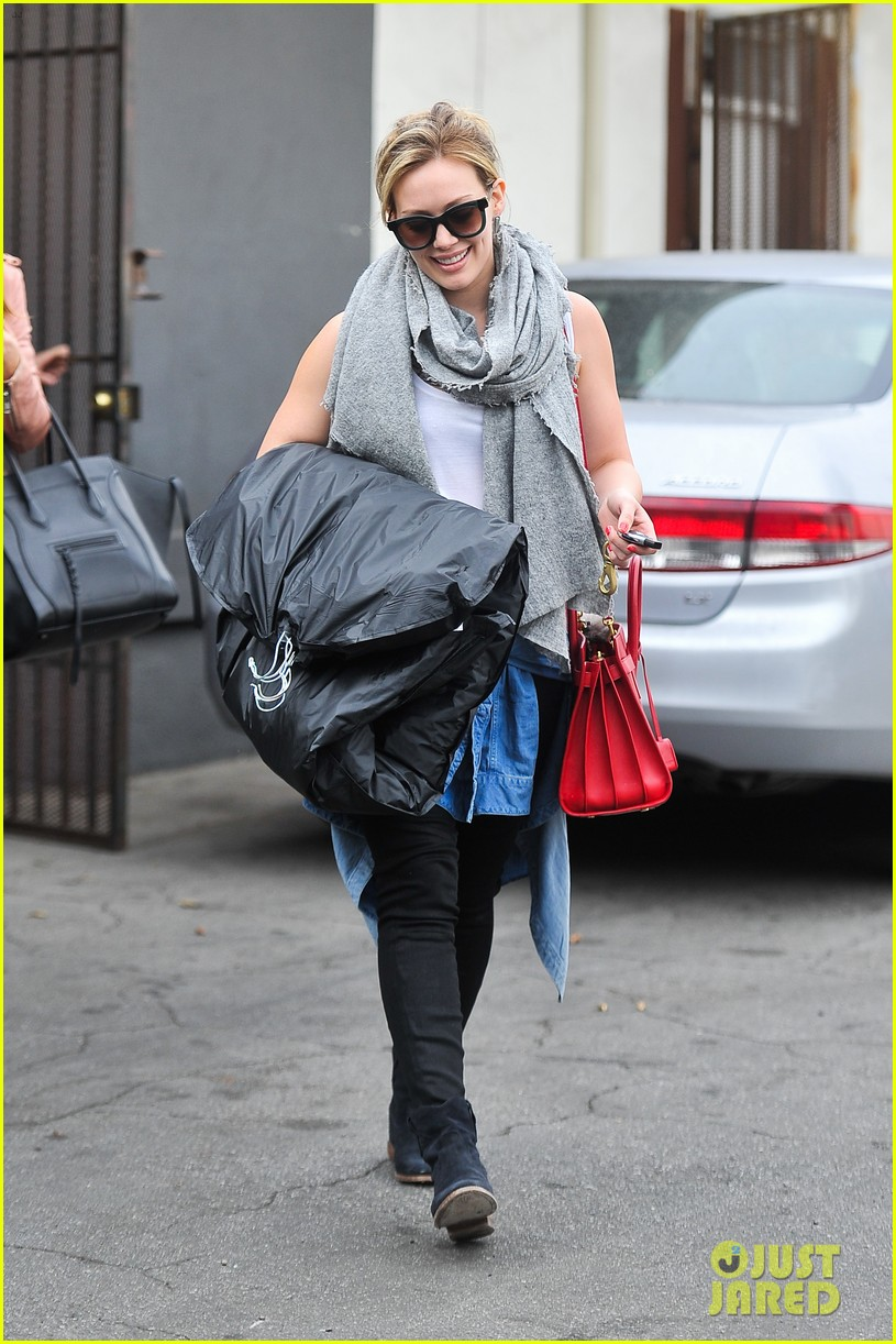 hilary duff how you glow event mike comrie parties in nyc 073045609