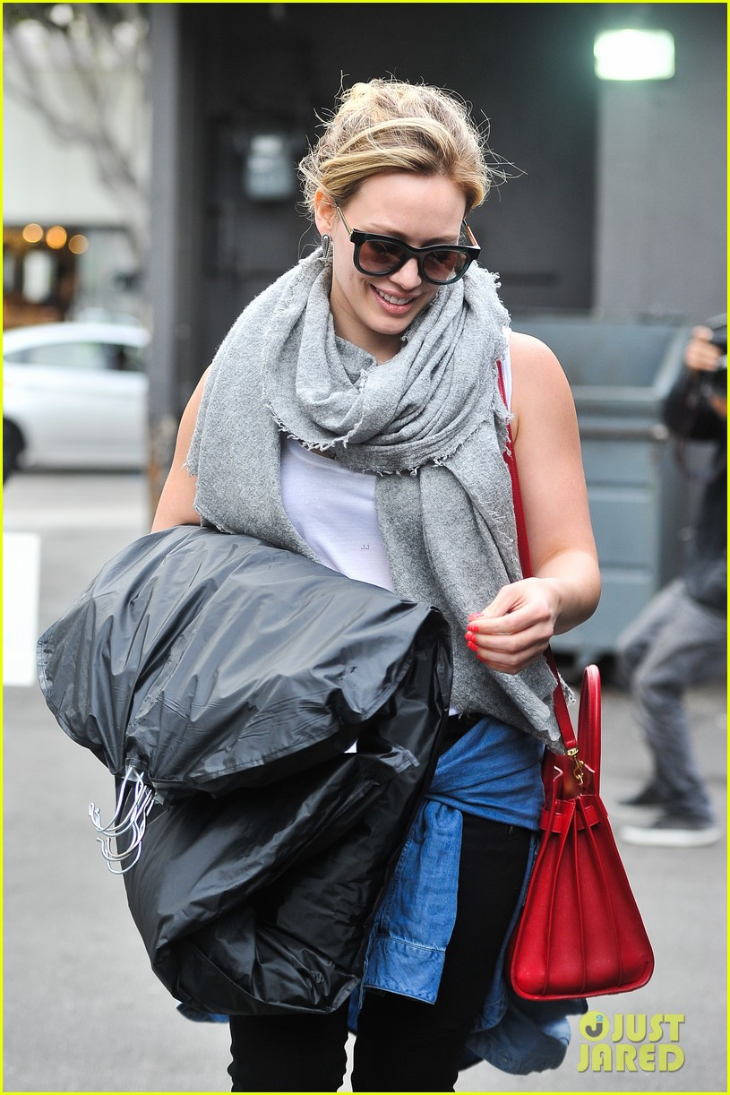 hilary duff how you glow event mike comrie parties in nyc 103045612