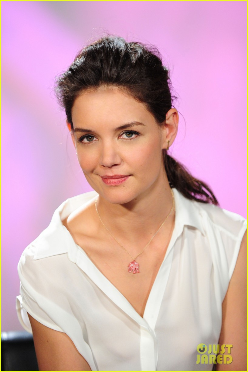 katie holmes teams up with kohl for breast cancer awareness 043053385