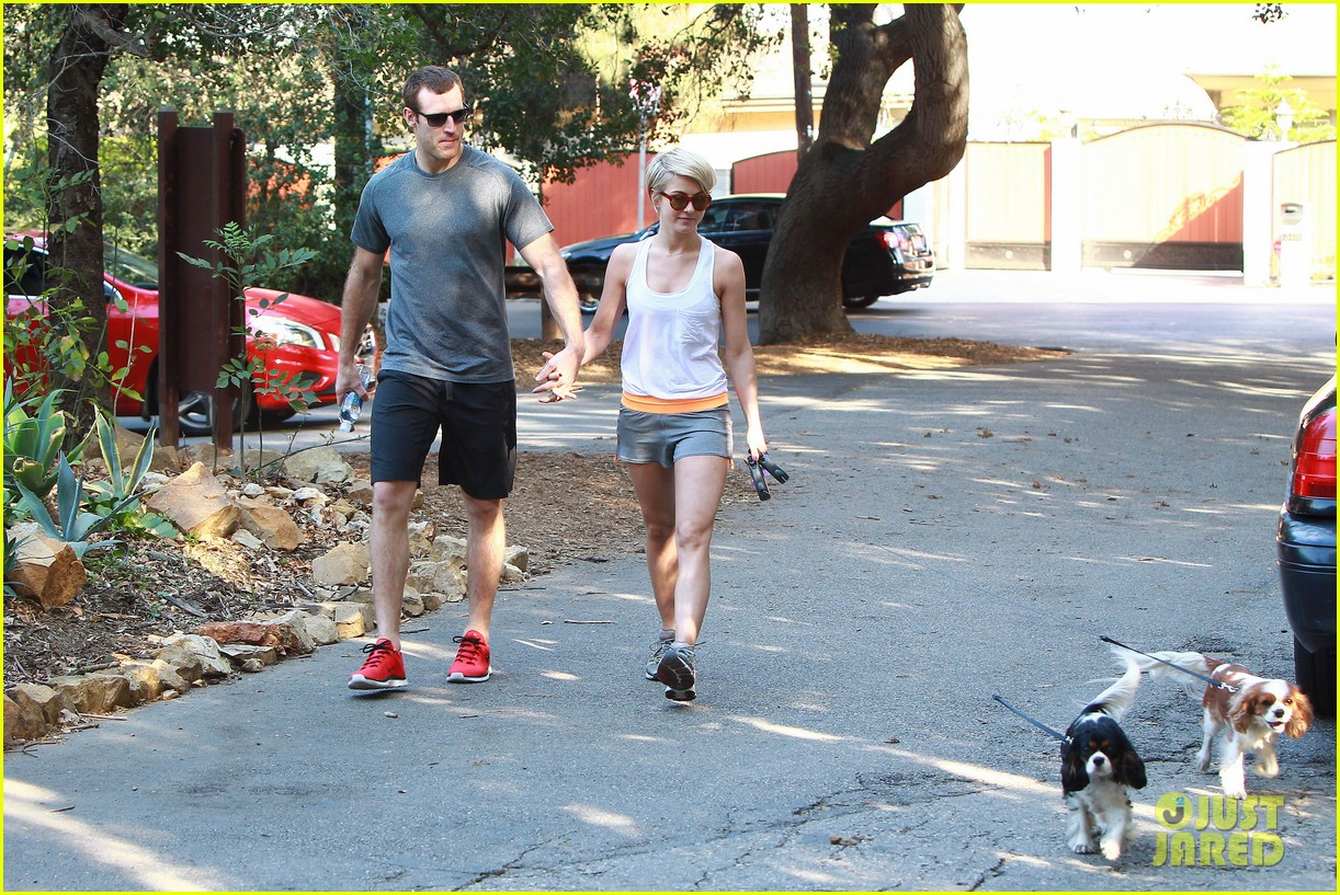 julianne hough holds hands with hockey player brooks laich 16