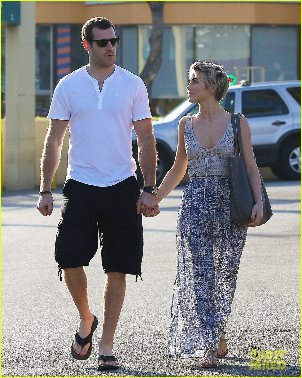 julianne hough new boyfriend brooks laich look so in love 023055410