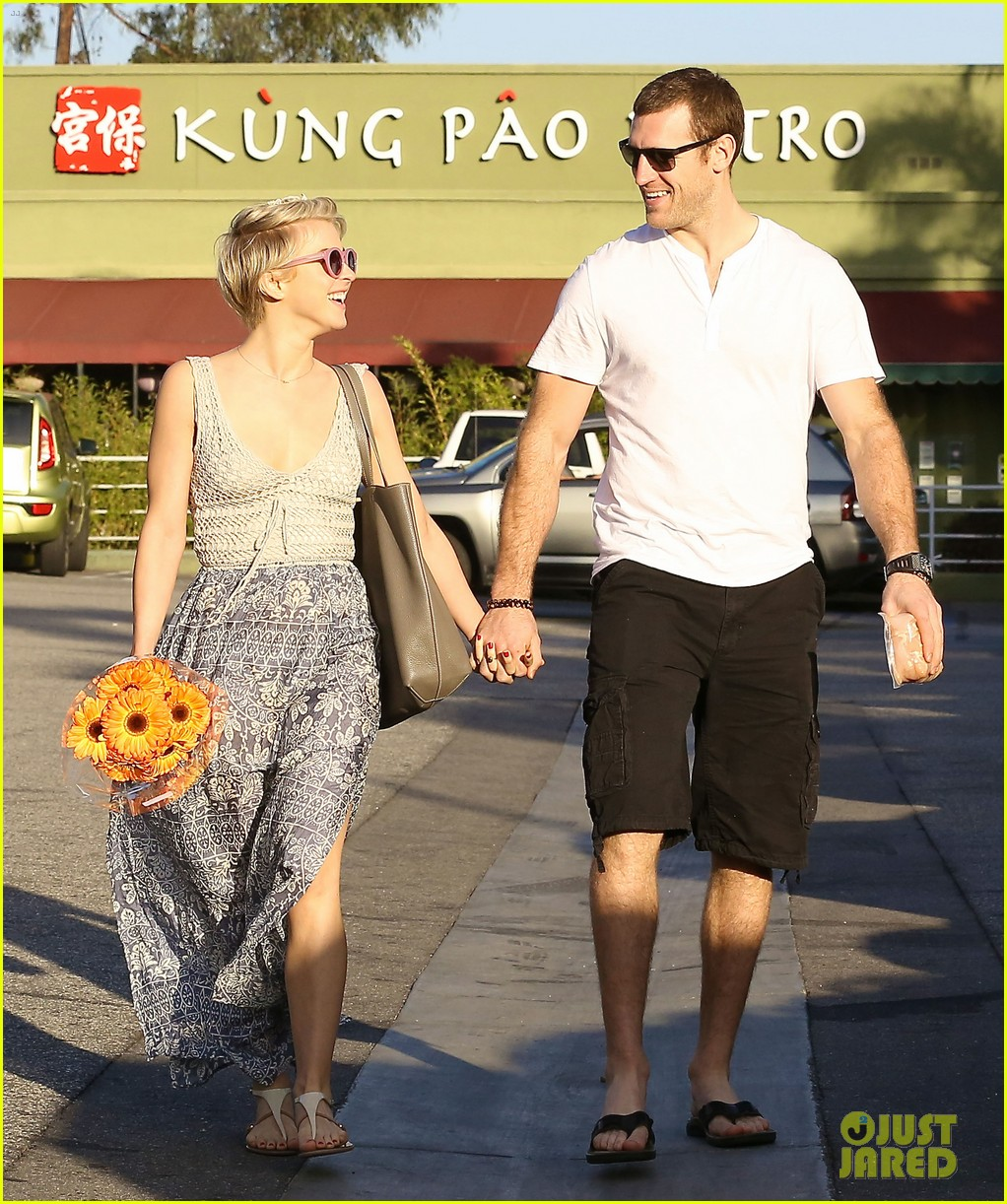 julianne hough new boyfriend brooks laich look so in love 03