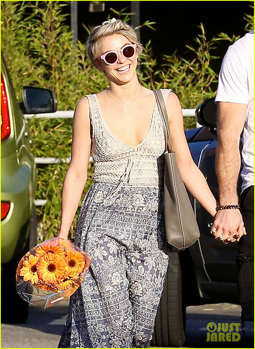 julianne hough new boyfriend brooks laich look so in love 043055412
