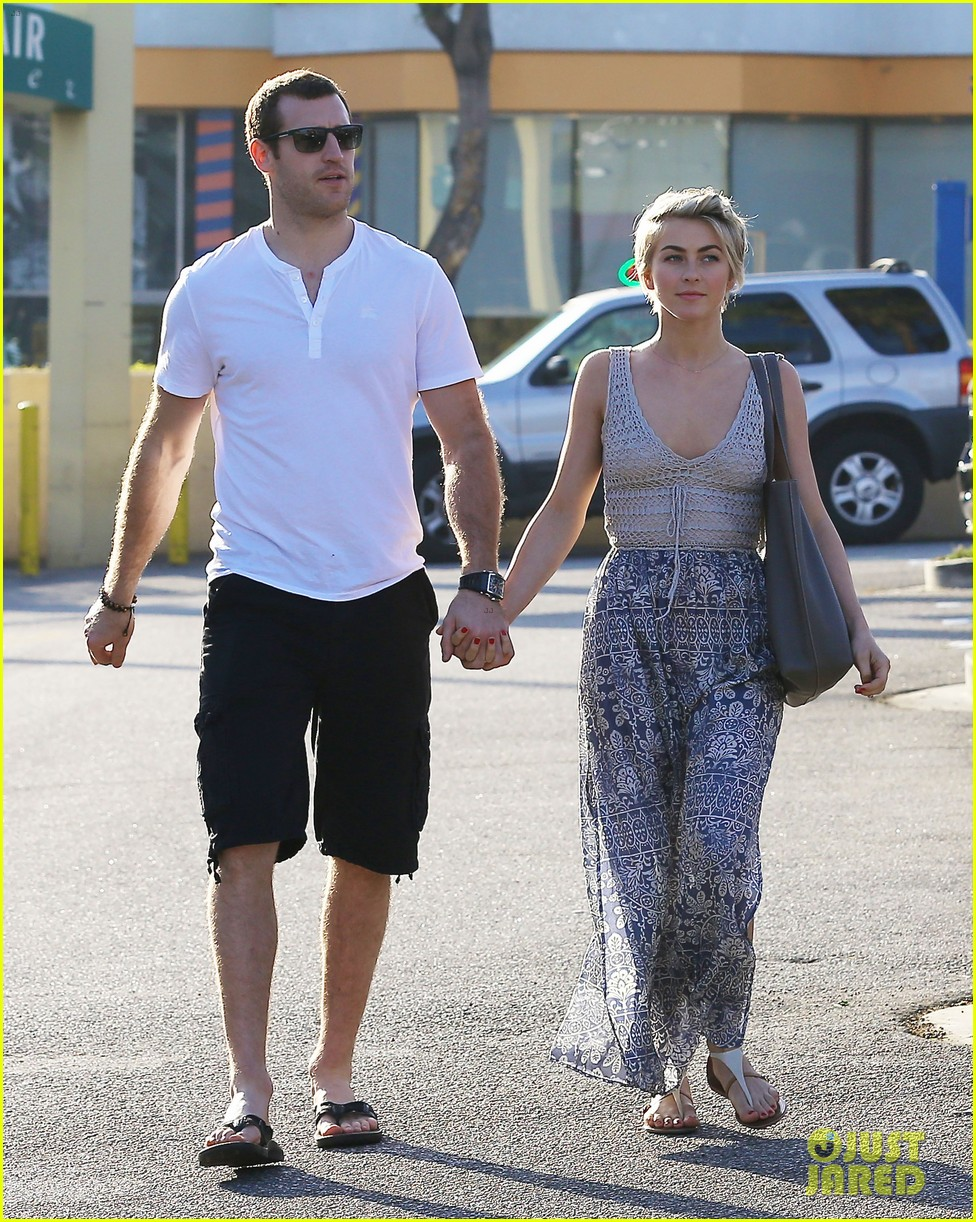 julianne hough new boyfriend brooks laich look so in love 073055415