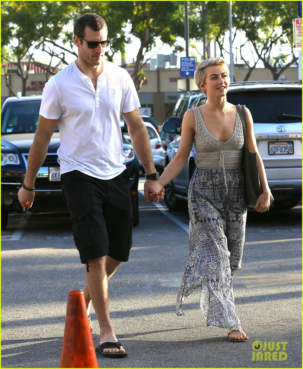 julianne hough new boyfriend brooks laich look so in love 103055418