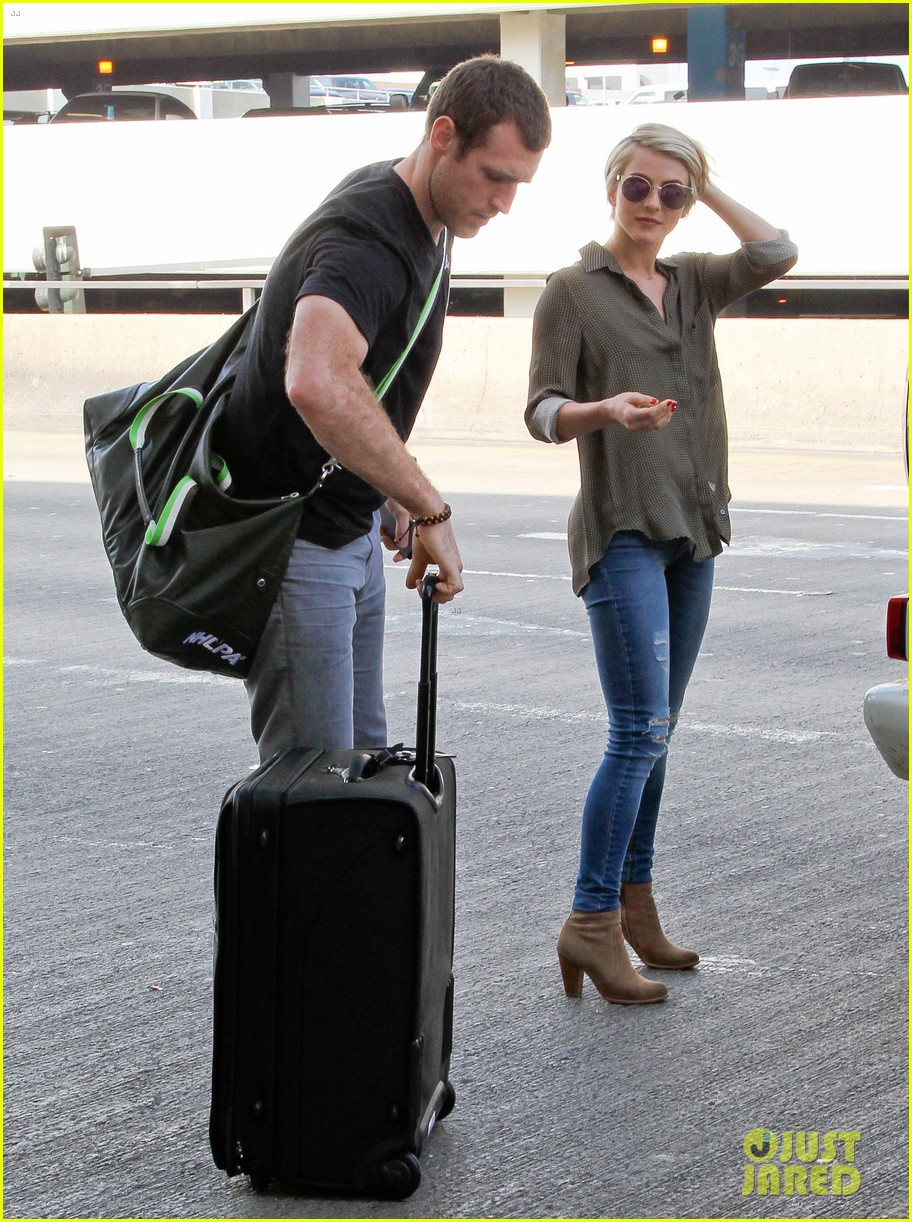 julianne hough drops off new boyfriend brooks laich at lax 10