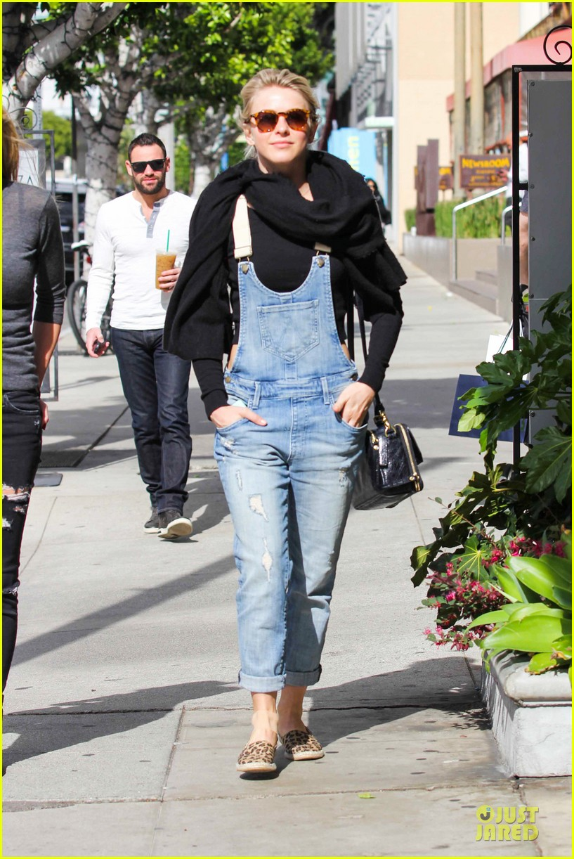 julianne hough sports denim overalls for newsroom brunch 033046694